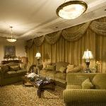 Foto de Armed Forces Officers Club & Hotel