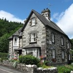 Garth Dderwen Guest House