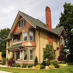 ‪Ludington House Bed And Breakfast‬