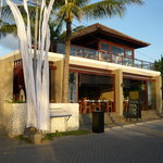  Restaurant from the front