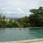 The infinity pool at Pagoda Rocks