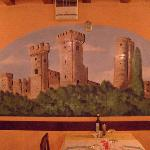 un bellissmo affresco all' interno del locale