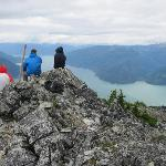 Photo de Tweedsmuir Park Lodge - Bella Coola Grizzly Bear Tours