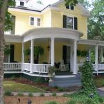 Beautiful, historic Ivy B&B on Main Street