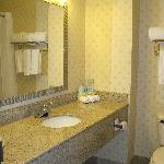 Photo de Holiday Inn Express London I-70