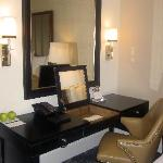 Desk- room 1107 -Grand Deluxe Salon