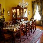 1896 O'Malley House Bed and Breakfast resmi