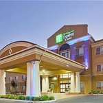 Holiday Inn Express &amp; Suites Salinas
