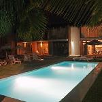  Piscina de noche