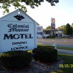 Colonial Manor Motel