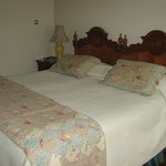  Eagles Mere Inn Room 17 Pic1