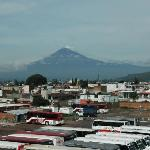  Blick vom Hoteldach zu Popocatpetl