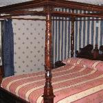 Four poster bed at Orkney Hotel