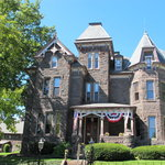 ‪Reynolds Mansion Bed and Breakfast‬