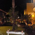 Country Village Hotel resmi