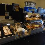 Photo de Holiday Inn Express Dinuba West