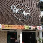 Queen Boutique Place resmi