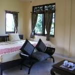 Prasanti Bed & Breakfast resmi