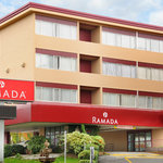 Ramada Hotel &amp; Suites Metrotown