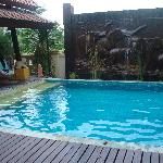 peacefull swimmingpool