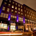 ‪Holiday Inn Express Hotel & Suites Boston Garden‬