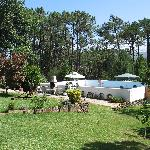 Rosal lodge, lawn and pool.