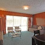  Abilene Motel Two Bedroom Lounge