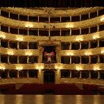  L&#39;interno del Teatro Sociale di Como