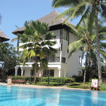 Adult pool + Lamu rooms