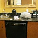 Wet Bar With Mini Fridge