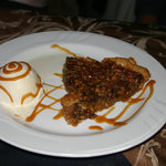 Pecan pie a la mode
