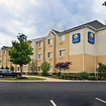 Comfort Inn &amp; Suites Airport Dulles-Gateway