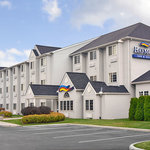 Baymont Inn &amp; Suites Toledo / Perrysburg
