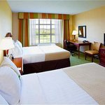 Holiday Inn & Suites at Blue Ridge Shadows Resort