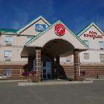 Фотография Pomeroy Inn & Suites