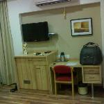 LCD TV & Work Table