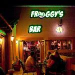  Froggy&#39;s Bar