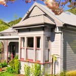 Fernview Cottage Bed & Breakfast