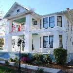 The Milton House Bed and Breakfast Inn resmi