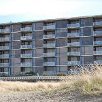Foto de Sand and Sea Condominiums