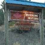 Foto de Running Waters Country Estate