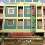 Royal Hotel 2 (Hoang Gia 2 Hotel)
