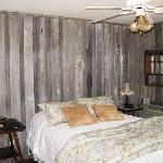  The &quot;Sage&quot; Guestroom