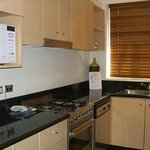  Kitchen fully furnished, microwave, oven, dishwasher