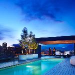 Keefer Penthouse Pool & Jacuzzi