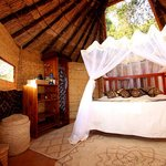 Mwamba Bushcamp (Shenton Safaris)