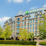Holiday Inn Hotel &amp; Suites North Vancouver