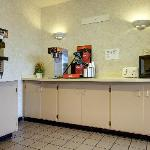 Foto de Americas Best Value Inn / St. Louis - Airport