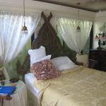 Casa Thorn Bed & Breakfast resmi