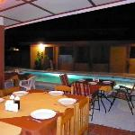  Restaurante y piscina